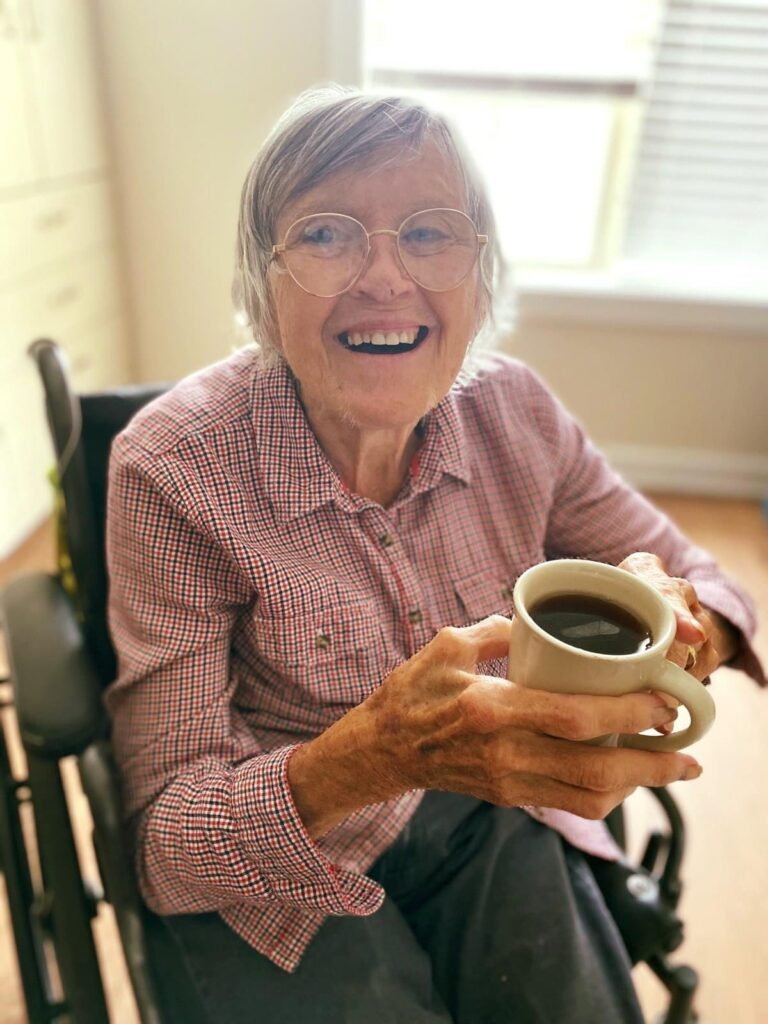 Residents enjoy a delicious and nutritious dining program at Alamance House